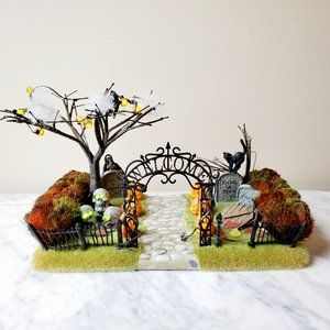 Department 56 Halloween Haunted Front Yard